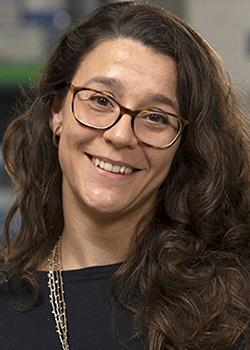 Image of UCLA cancer researcher Cristina Puig Saus